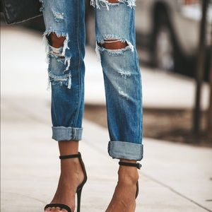 NWT KanCan Distressed Relaxed Boyfriend Fit Jeans